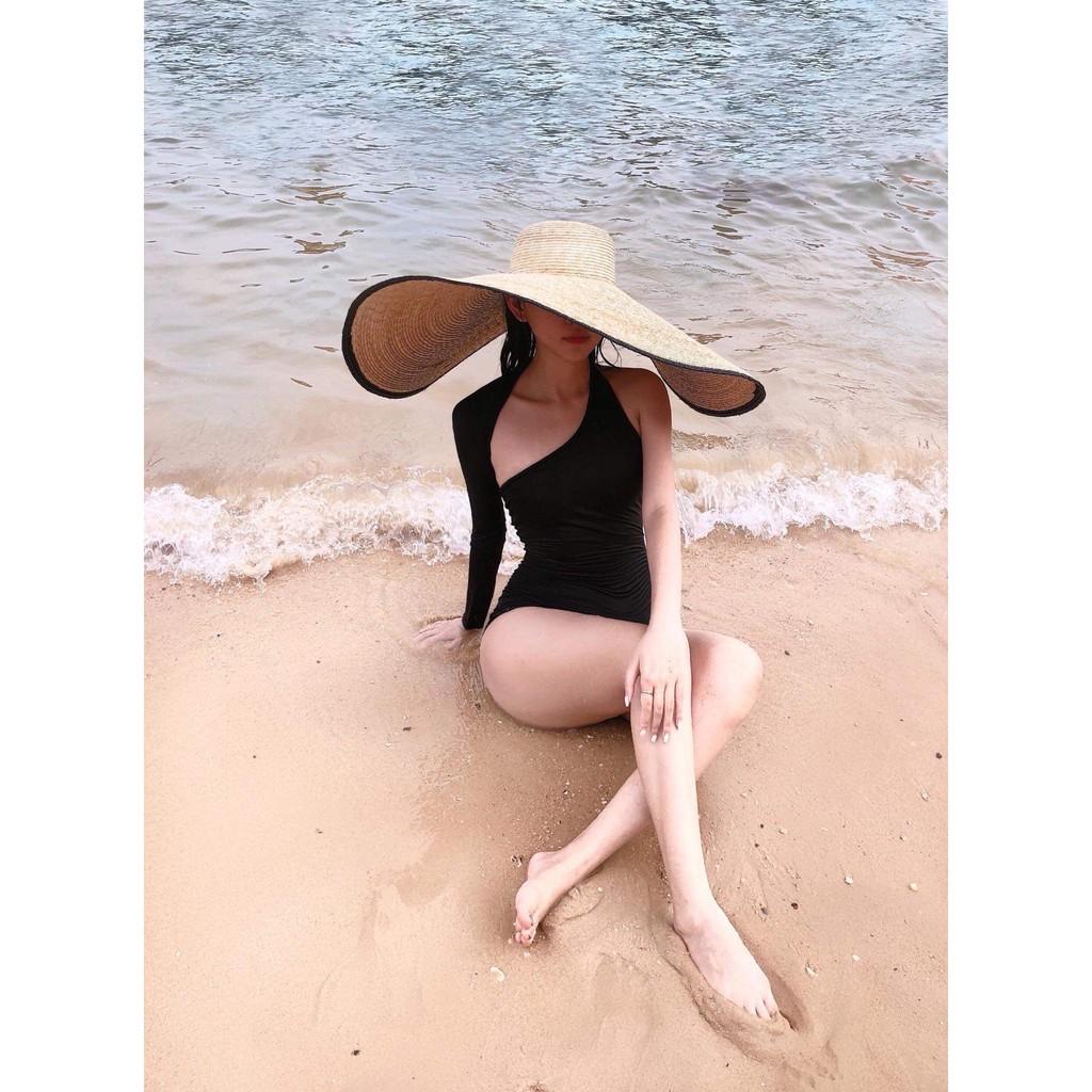 Bikini tay dài lệch vai phá cách sang chảnh