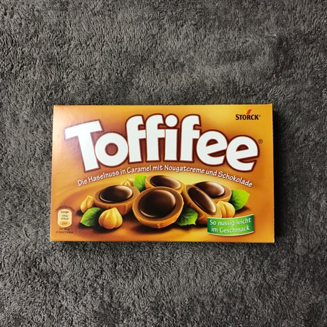 Kẹo socola hạt dẻ hạnh nhân Toffifee