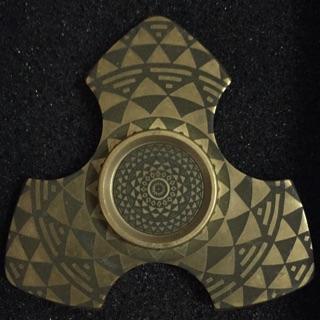 Con quay spinner làm từ đồng 100% có cả hộp