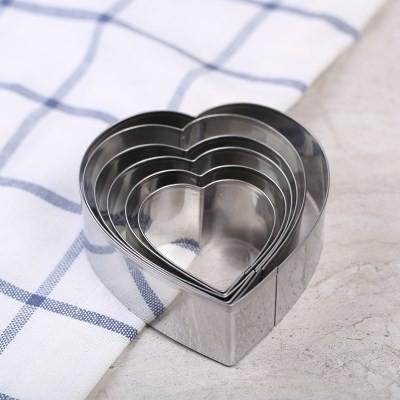 Dụng cụ cắt bột hình tim