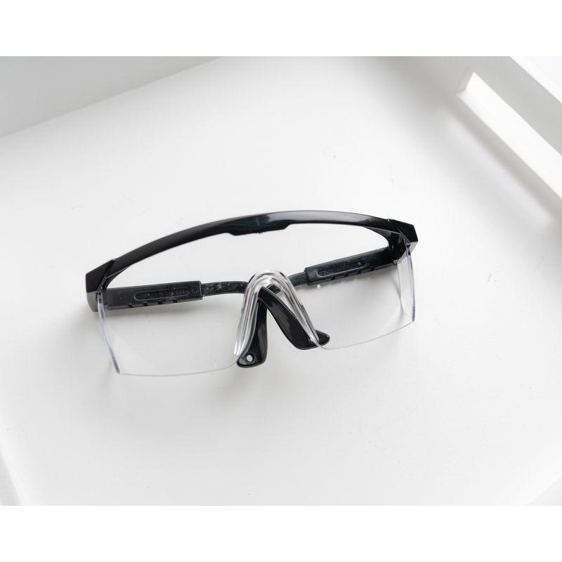 Kính phòng dịch bảo hộ chống bụi tránh tổn thương cho mắt sang chảnh