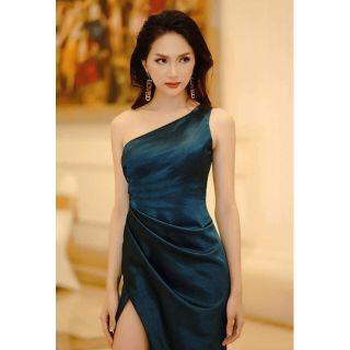 Đầm dạ hội lệch vai nhún sườn eo