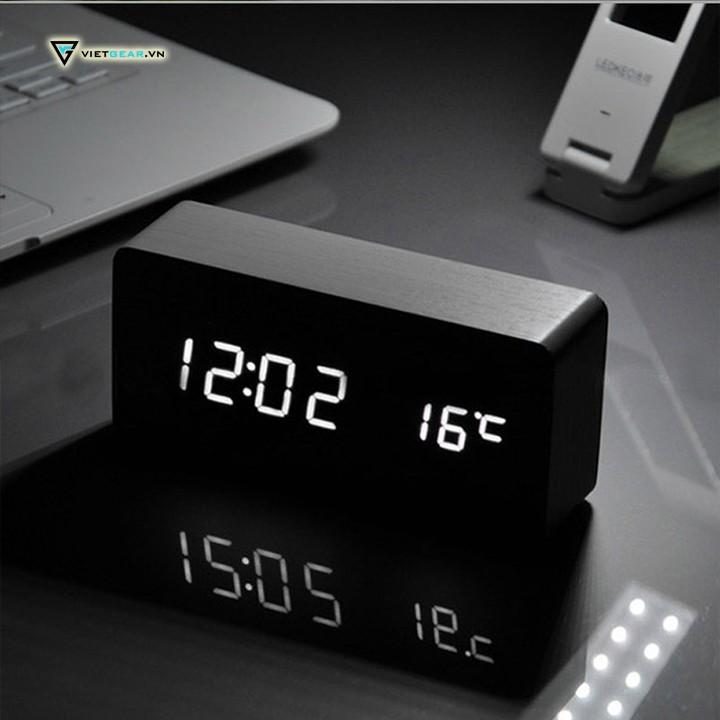 Đồng hồ gỗ led vỏ đen chữ trắng, đo nhiệt độ phòng