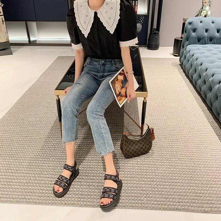 Giày Sandal Nữ Đế Bằng Mũi Tròn Đơn Giản Cá Tính Thời Trang