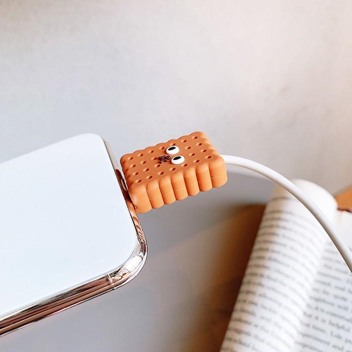 Phụ kiện bảo vệ đầu dây cáp sạc tai nghe bluetooth airpod airpods i12 pro đầu kết nối iphone - Shin Case