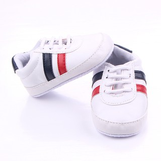 [Mã FASHIONRN15 hoàn ngay 15k xu đơn từ 99k] Giày tập đi mềm mại, chất lừ cho bé Giày tập đi cho bé thumbnail