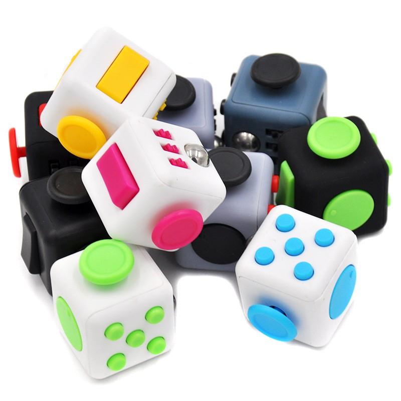 Fidget Cube - Khối Vuông Thần Kỳ giúp giảm stress