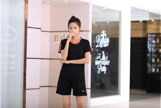 2021 New Arrival LI-NING Badminton Clothes Breathable Quick-Dry Stripe Jersey Shirts+Shorts woman Sets Couple Sets black yellow