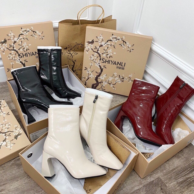 Boots da bóng cổ cao đỏ đen sữa gót cong 7cm hộp hoa đào