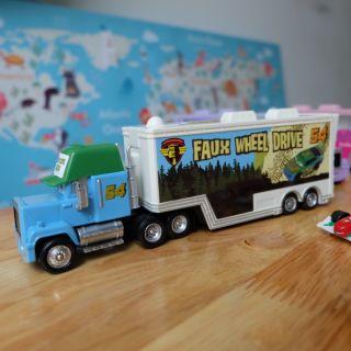 Bộ sưu tập xe mack truck disney của Mattel 54