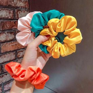 [Mã FAGET5K giảm 5K đơn 0đ] Dây buộc tóc, cột tóc Scrunchies trơn nhiều màu phong cách Hàn Quốc bé gái thumbnail
