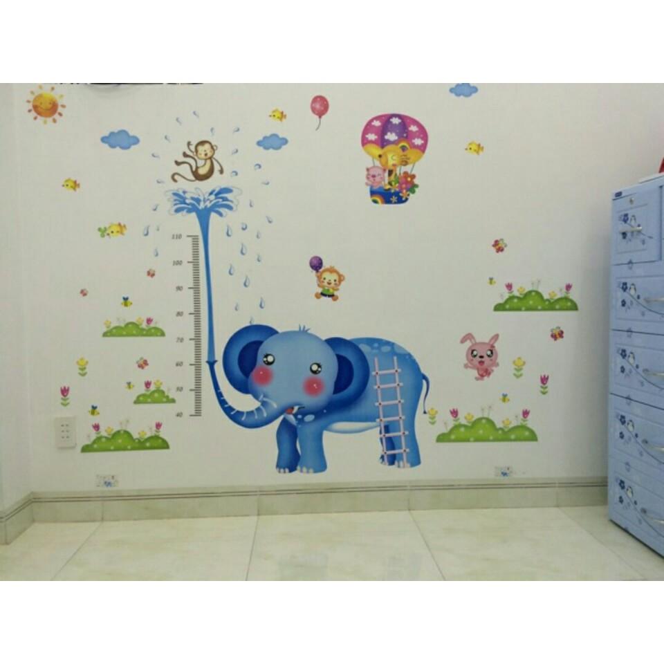 Decal dán tường do chiều cao voi