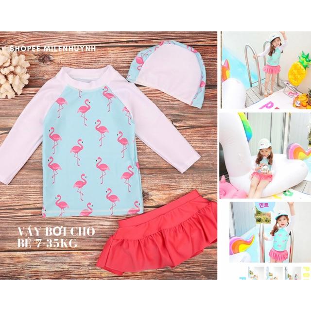 Bộ váy bơi cho bé phong cách Hàn Quốc hình chim hạc, áo màu xanh kèm chân váy hồng năng động, tươi sáng