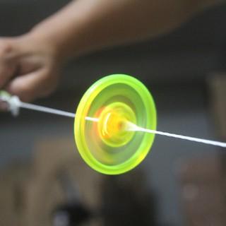 Giá sỉ Đồ chơi con quay dây có đèn LED phát sáng. thumbnail