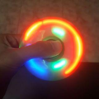 Spiner có đèn