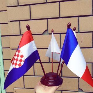 Đế cắm cờ để bàn 5 nước
