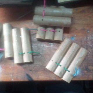 Pháo hoa, pháo giấy sinh nhật ( 5 ống giấy)