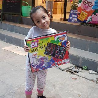 Bộ màu vẽ và bộ dụng cụ thủ công cho bé