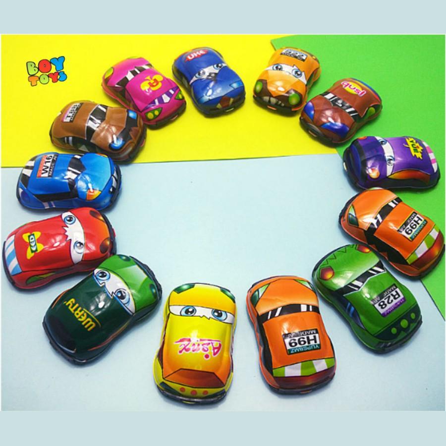 Ô tô mini nhiều màu sắc chạy đà để bé vui chơi thỏa