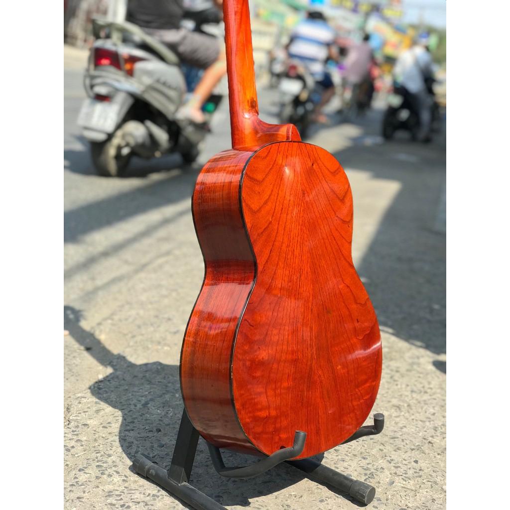 đàn guitar gỗ thịt