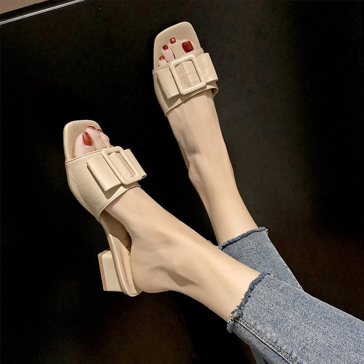 Sandals and slippers women wear ins fashion square buckle thick with holiday word drag
