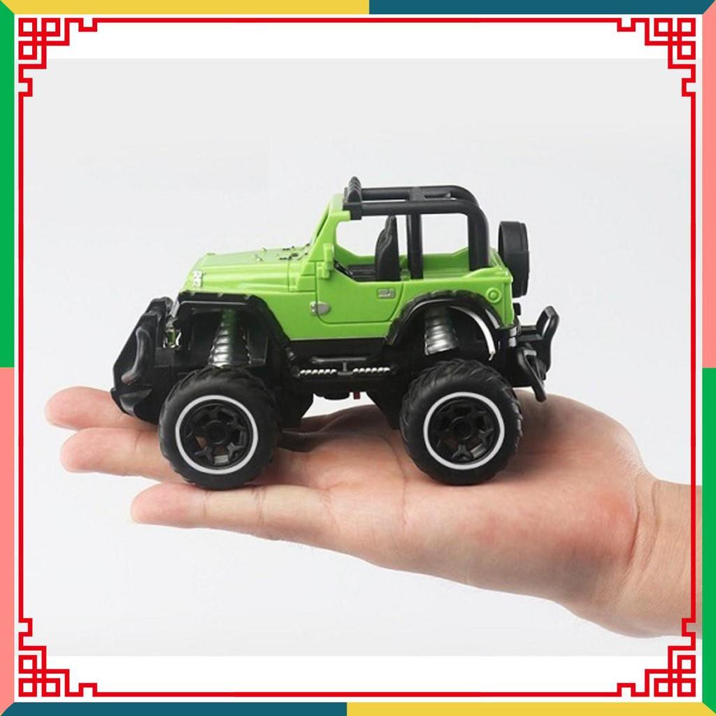 Xe ô tô đồ chơi điều khiển từ xa 4 chiều *Loại Tốt*