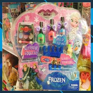 Bộ trang điểm phấn thật sơn móng tay Elsa Barbie (trang điểm và sơn móng tay được như thiệt)