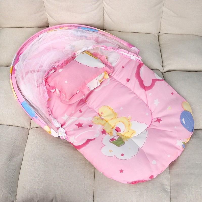 màn nằm cho bé kèm đệm và gối