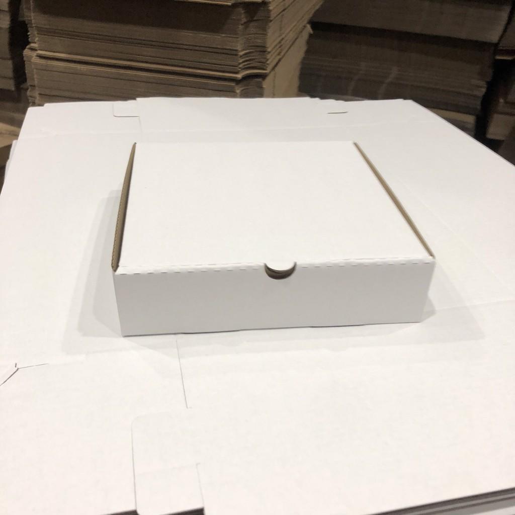Hộp carton đựng bánh pizza size 18x18x4 màu trắng