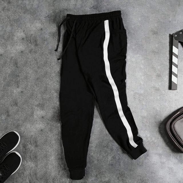 quần jogger đen 1 sọc trắng