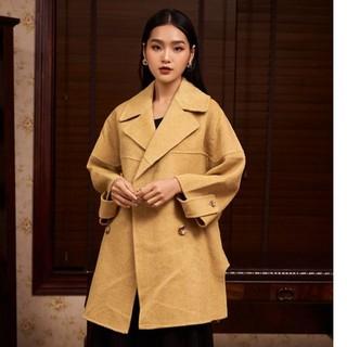 Áo măng tô dạ vàng lông cừu cúc sườn Elise thumbnail