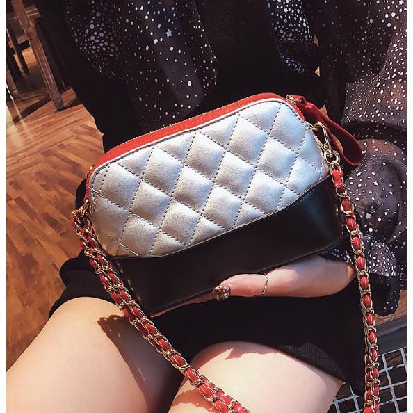 Túi đeo chéo nữ kiểu khóa kim loại bền đẹp dây đeo móc xích không lỗi mốt - 3553092 , 1036873820 , 322_1036873820 , 265000 , Tui-deo-cheo-nu-kieu-khoa-kim-loai-ben-dep-day-deo-moc-xich-khong-loi-mot-322_1036873820 , shopee.vn , Túi đeo chéo nữ kiểu khóa kim loại bền đẹp dây đeo móc xích không lỗi mốt