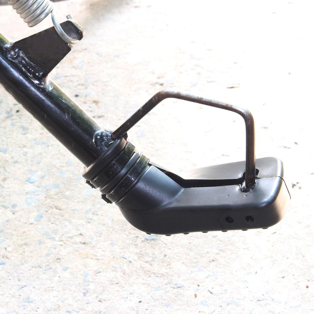 cao su bọc chân chống xe máy kèm dây rút