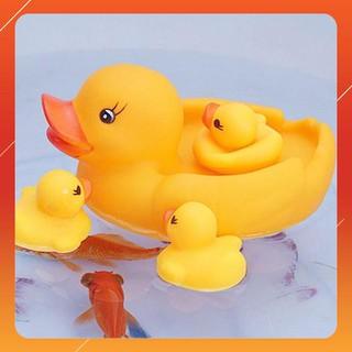 Vịt thả bồn tắm (set 4 con có còi) cho bé