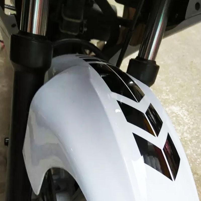Tem decal dán dè trước - phản quang hình mũi tên trang trí xe máy ( giá 1 chiếc) chất lượng cao