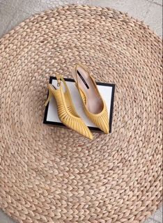 Giày sandal Colee bít mũi dây cắt gót đinh