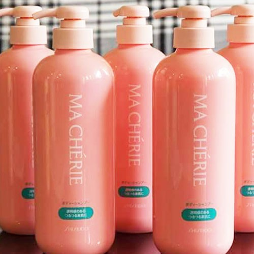 Sữa tắm dưỡng ẩm sáng da Ma Cherie 600ml