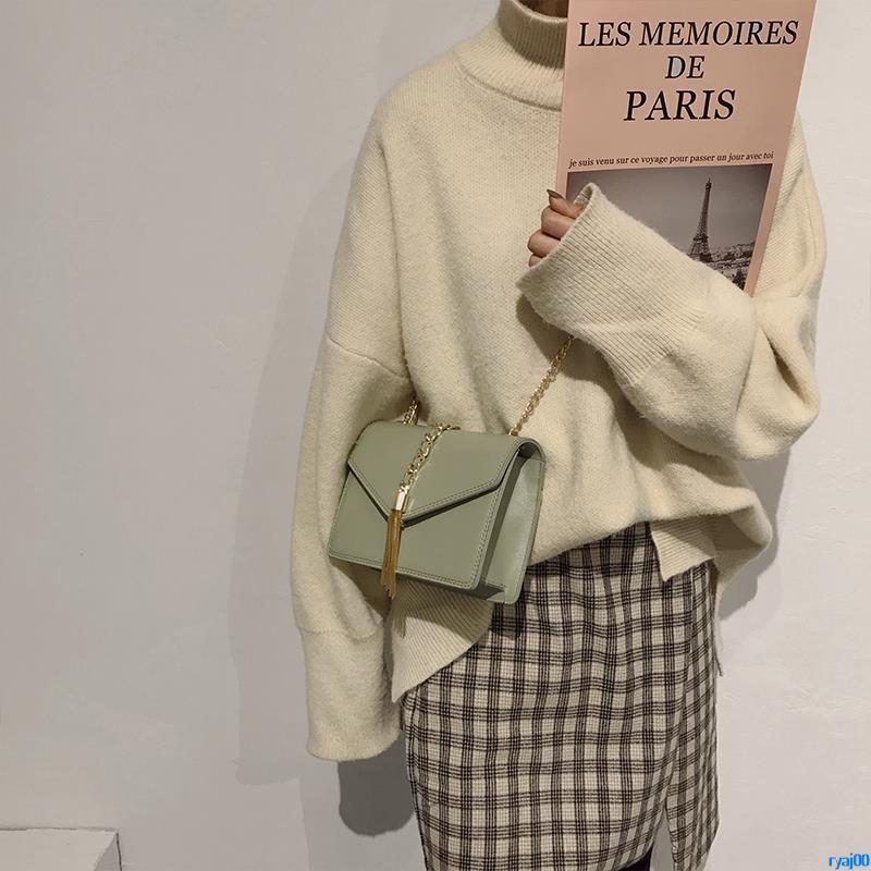 Full order250000shipmentsNew small bag female 2019 spring new wild fashion tassel small square bag chain shoulder Messen