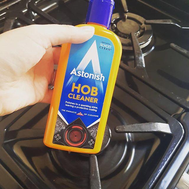 Kem vệ sinh bề mặt bếp điện Astonish