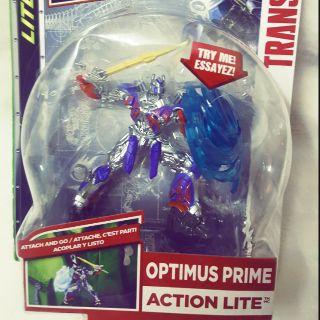Sản phẩm đồ chơi robot Optimus action lite