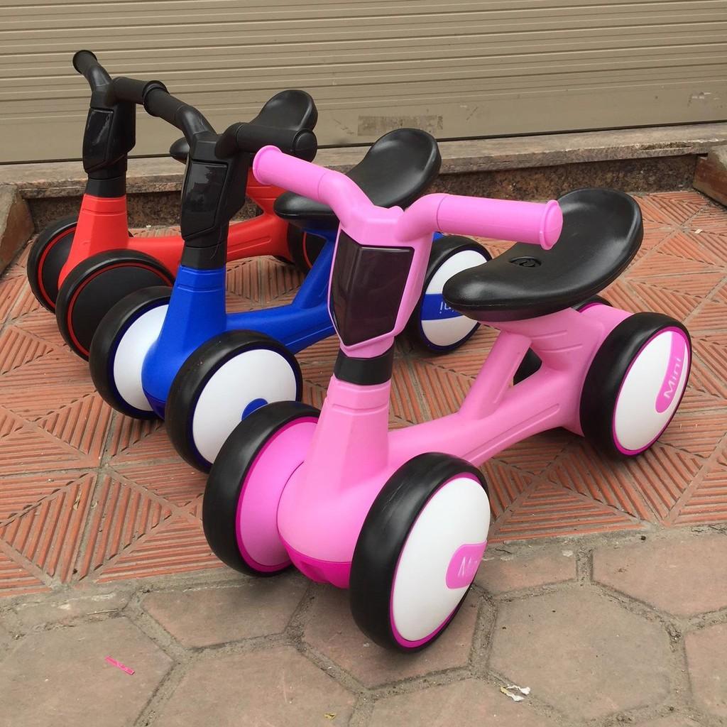Xe chòi chân Mini cho bé dưới 3 tuổi có đèn, có nhạc