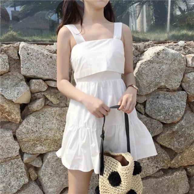 Váy dây trắng