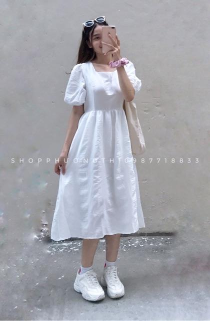 Đầm babydoll cổ vuông bồng bềnh hai màu trắng và tím