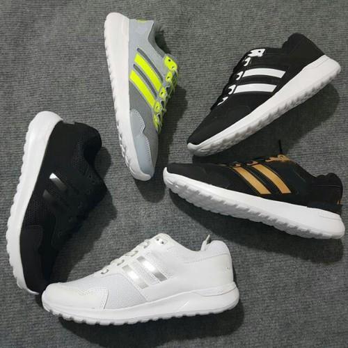 Giày thể thao có size nam và nữ