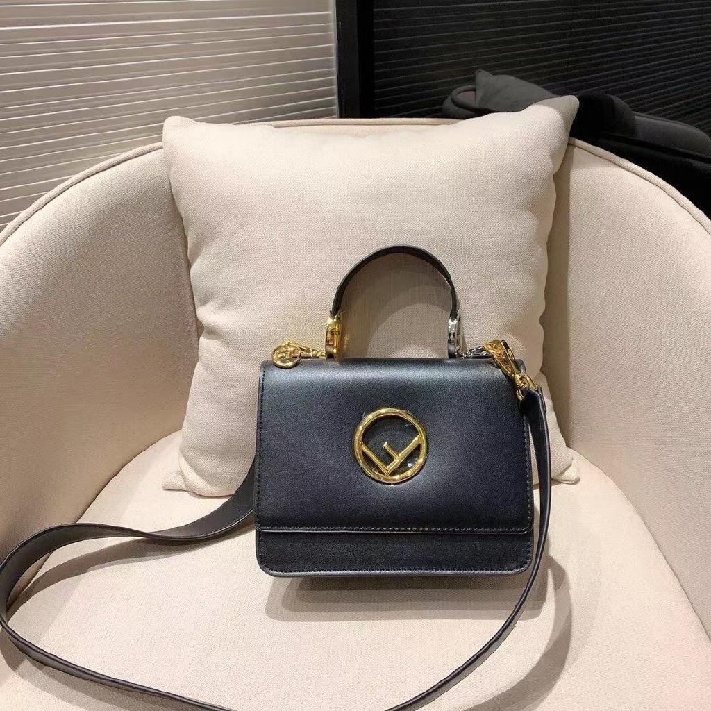 FENDI leather shoulder bag handbag【black】