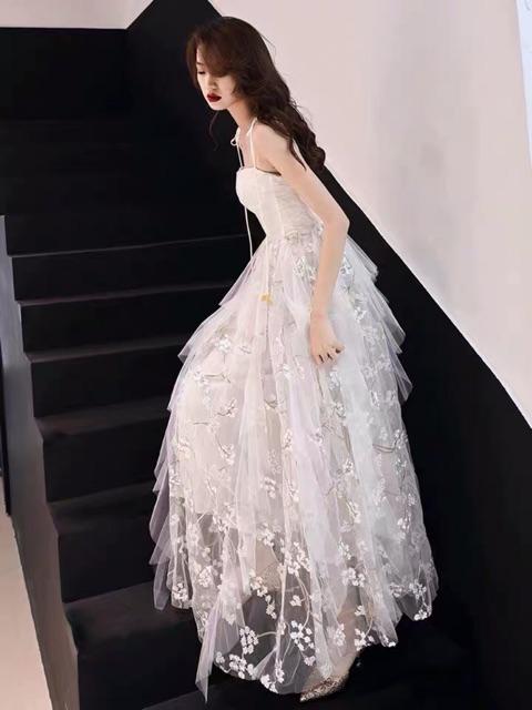 Kiểu váy công chúa chụp kỷ yếu