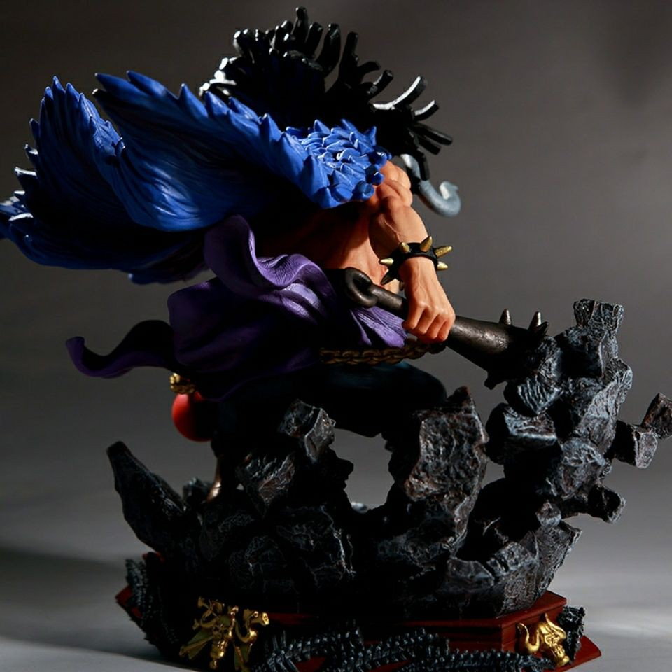 Decorations can be wholesale high-quality version of One Piece Four Kings GK battle Kaido scene base kaido figure model