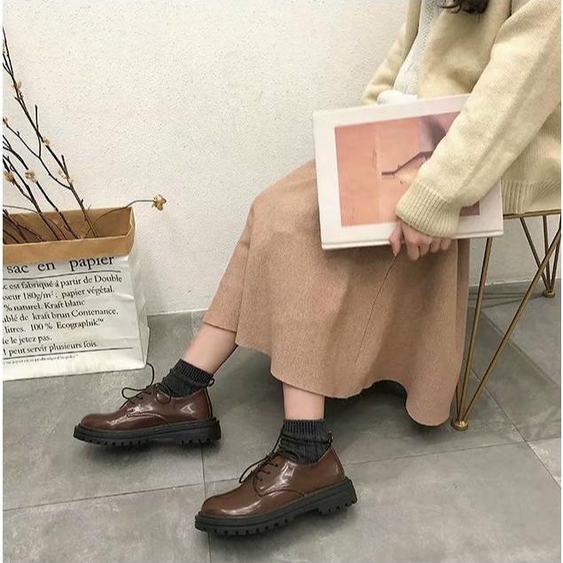 Giày da phong cách retro cho nữ
