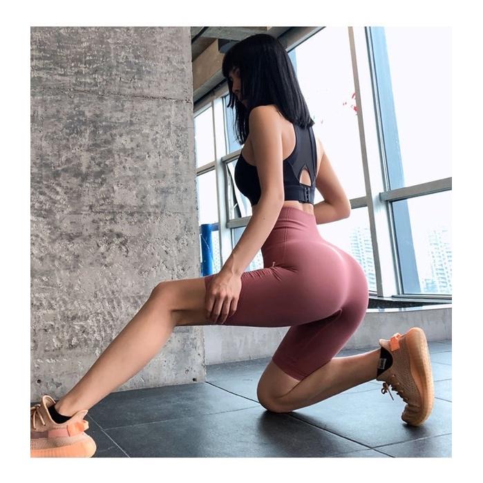 Mặc gì đẹp: Thoáng mát với Quần Tập Đùi Ngố Cao Cấp Gym AMI nữ cạp lưng cao, co giãn 4 chiều, thoáng mát, dùng quần tập Yoga, Gym, Zumba, Aerobic