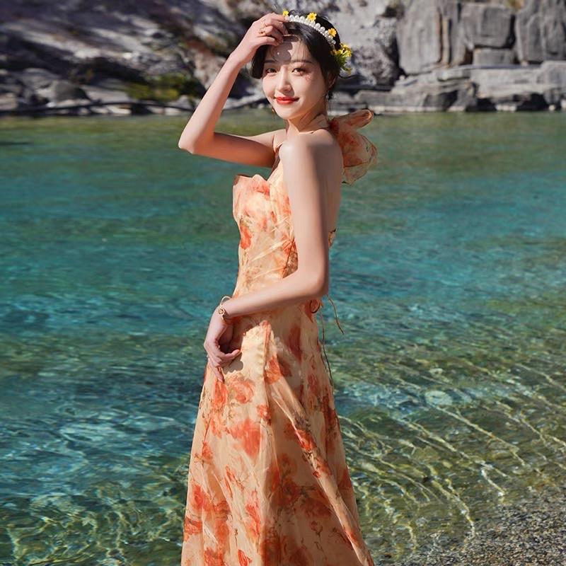 Mặc gì đẹp: Tung bay với 🎀Đầm maxi voan công chúa cổ yếm cam xoè dài hở lưng hoa nhí đan dây tiểu thư vintage retro kiểu Pháp đi biển sexy
